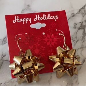 🎉5/20 SALE🎉 gold tone holiday gift bow earrings